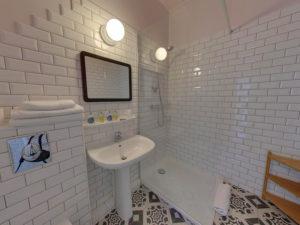 Hôtel Orque Bleue salle de douche