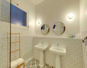 Hôtel l'Orque Bleue salle d'eau